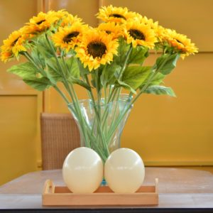 Glass Flower Vase With Sunflower.